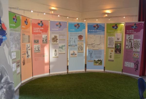 L'aménagement de l'exposition Hébert-Rollet à Dieppe, en Normandie.