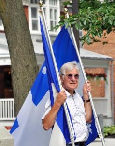 M. Jacques Fortin, membre de la CFQLMC et porte-drapeau.