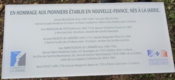 25 novembre 2019 : Dévoilement de la plaque provisoire concernant les pionniers de La Jarrie par le maire David Baudon et le président de la Commission